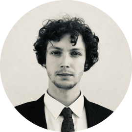 Mgr. Michael Dibon, finanční analytik se zaměřením na analýzu podniků, absolvent Institutu Ekonomických Studií Univerzity Karlovy, zkušenosti získané během studia z investičních skupin Odyssey44 a Aakon Capital